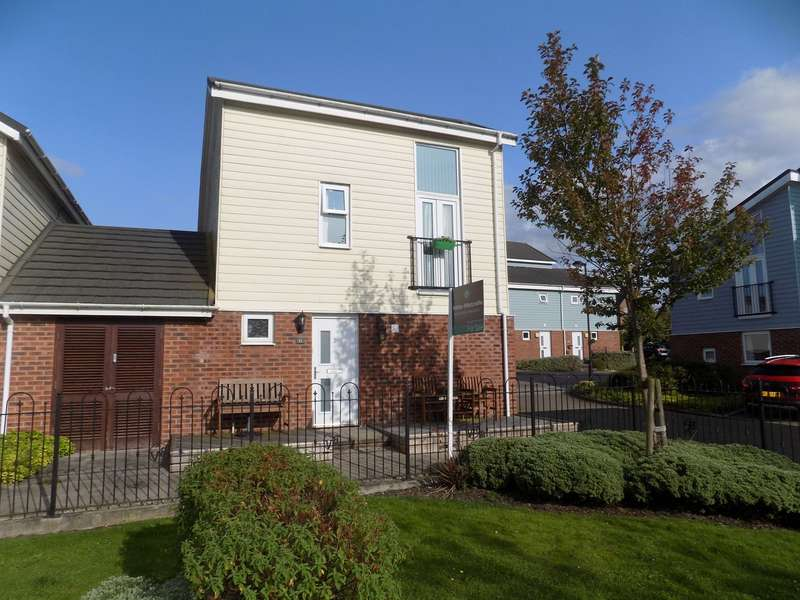 3 Bedrooms Link Detached House for sale in Hannah Court, Buckshaw Village, Chorley, PR7