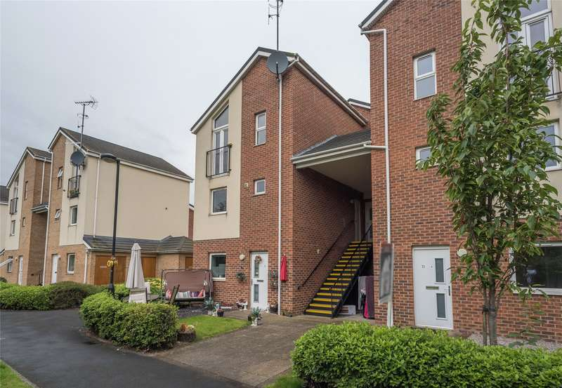 2 Bedrooms Maisonette Flat for sale in Clog Mill Gardens, Holmes Lane, Selby, North Yorkshire, YO8