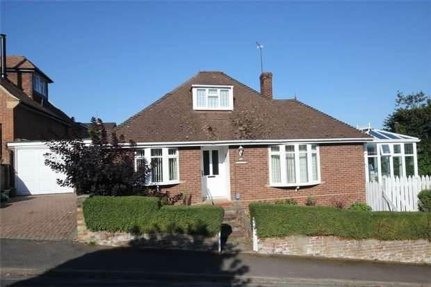 3 Bedrooms Detached Bungalow for sale in Tripps Hill Close, Chalfont St Giles, Buckinghamshire