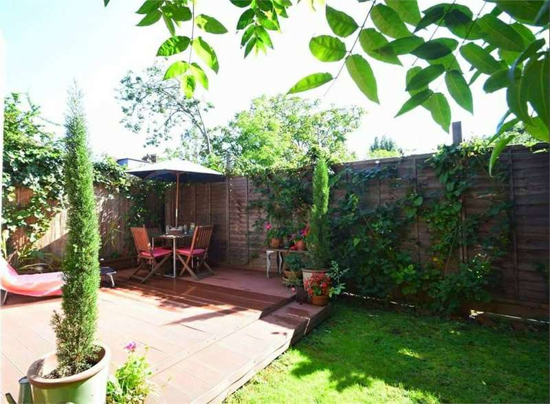 2 Bedrooms Maisonette Flat for sale in Farm Avenue, Streatham