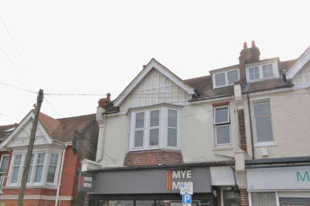 3 Bedrooms Apartment Flat for rent in Matlock Road Brighton And Hove