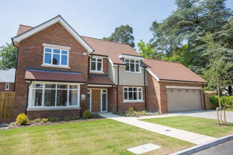 5 Bedrooms Detached House for sale in The Dormy, Ferndown