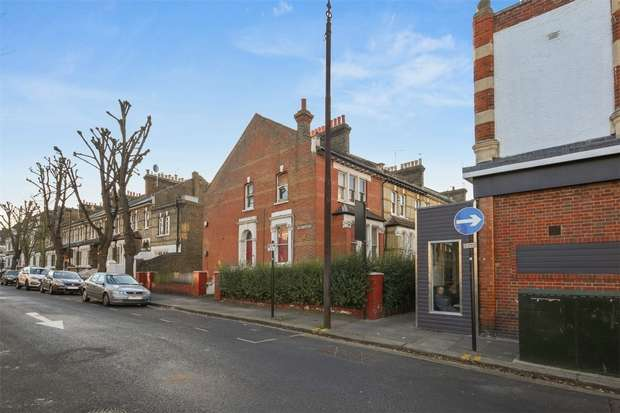4 Bedrooms Semi Detached House for sale in Linden Gardens, Chiswick