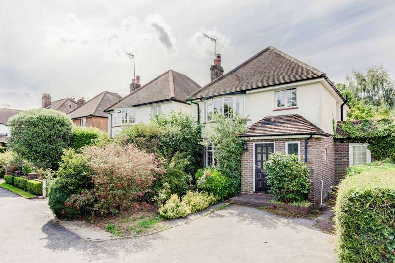 3 Bedrooms House for sale in The Close, RH2