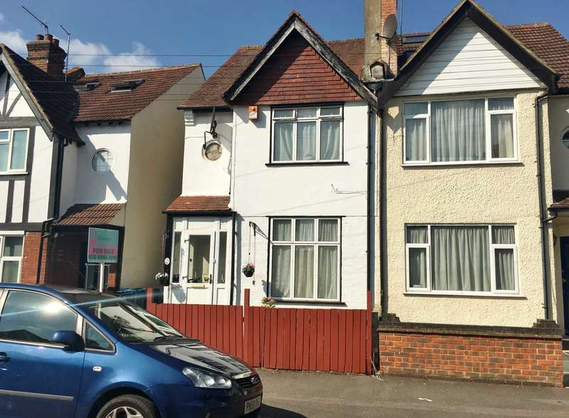 3 Bedrooms Semi Detached House for sale in Mount Road, New Malden