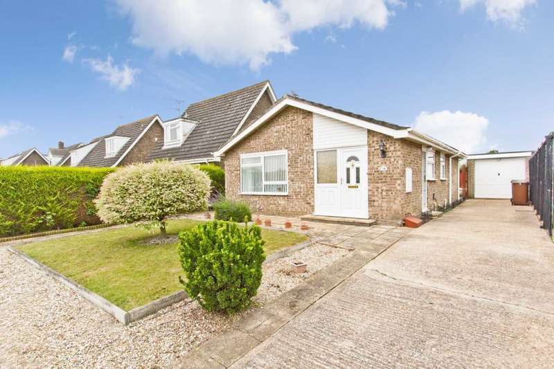 2 Bedrooms Detached Bungalow for sale in Wroxham Avenue, Swaffham