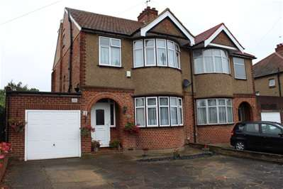 5 Bedrooms Semi Detached House for sale in College Close, Harrow Weald