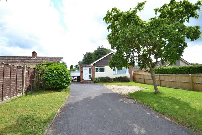 3 Bedrooms Detached Bungalow for sale in Colehill