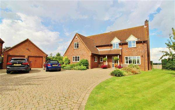 5 Bedrooms Detached House for sale in Ryders Orchard, Side Street, Allington