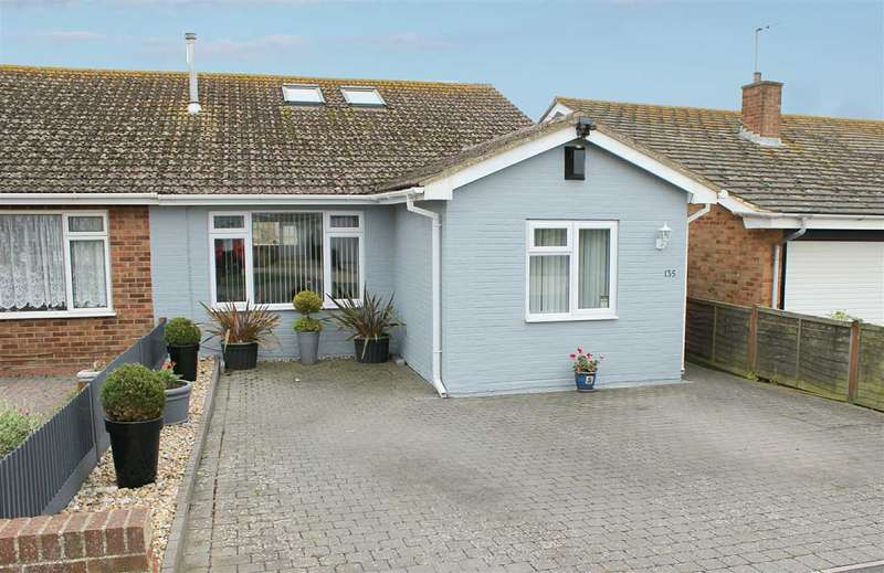 3 Bedrooms Bungalow for sale in Rowe Avenue North, Peacehaven