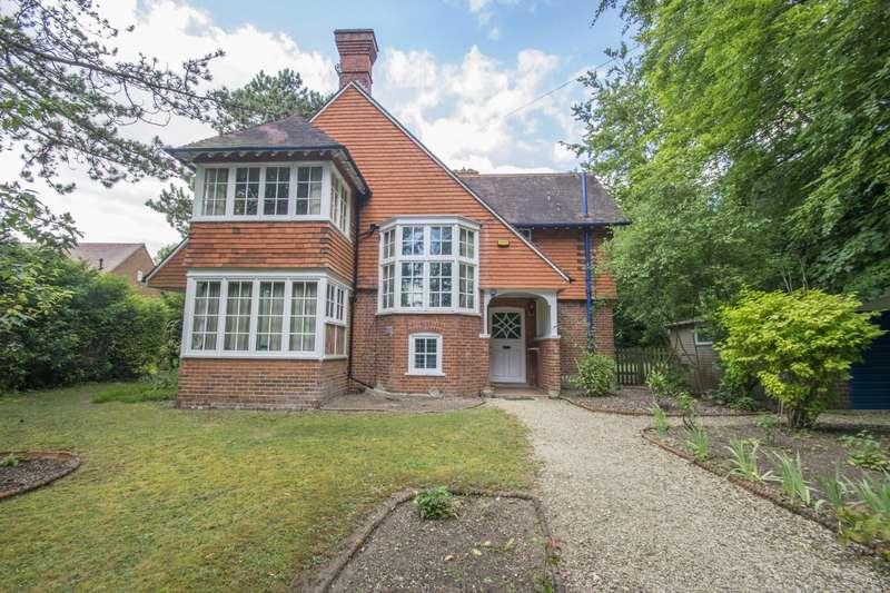 4 Bedrooms Detached House for sale in Elvendon Road, Goring on Thames, RG8