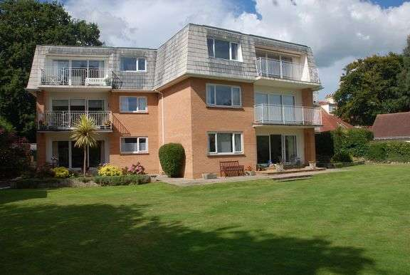 2 Bedrooms Flat for sale in Meadhurst Court, Sidmouth