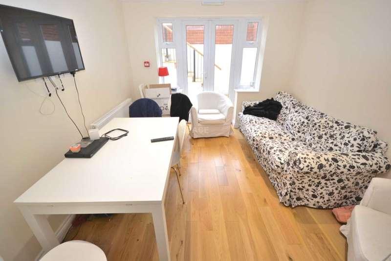 1 Bedroom House Share for rent in Tilehurst Road, Reading, Berkshire, RG1 7TT - Room 3