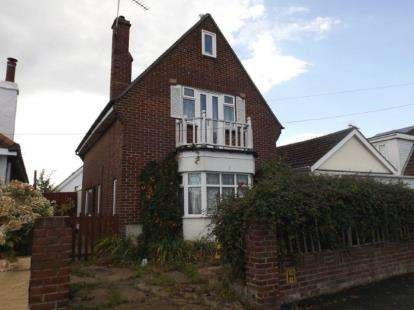 2 Bedrooms Detached House for sale in Jaywick, Clacton On Sea, Essex