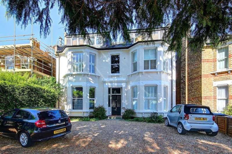 1 Bedroom Ground Flat for sale in The Avenue, Surbiton