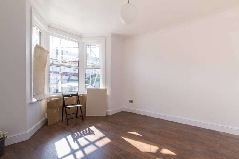 4 Bedrooms House for rent in Shelbourne Road, Tottenham, N17