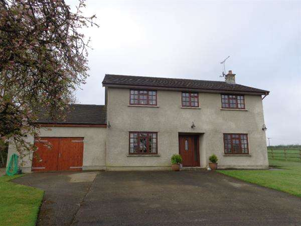 4 Bedrooms Detached House for sale in Butterfield, School Lane, St Florence, NR TENBY