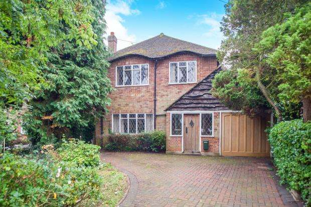 3 Bedrooms Detached House for sale in East Molesey, Surrey
