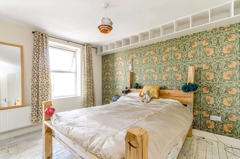 1 Bedroom Flat for sale in Westow Hill, Crystal Palace, SE19