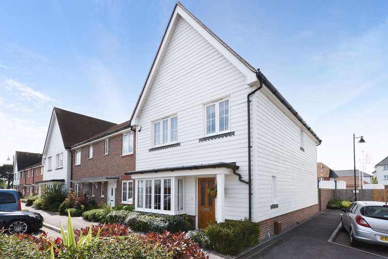 4 Bedrooms End Of Terrace House for sale in Mackintosh Drive, Bognor Regis, West Sussex, PO21