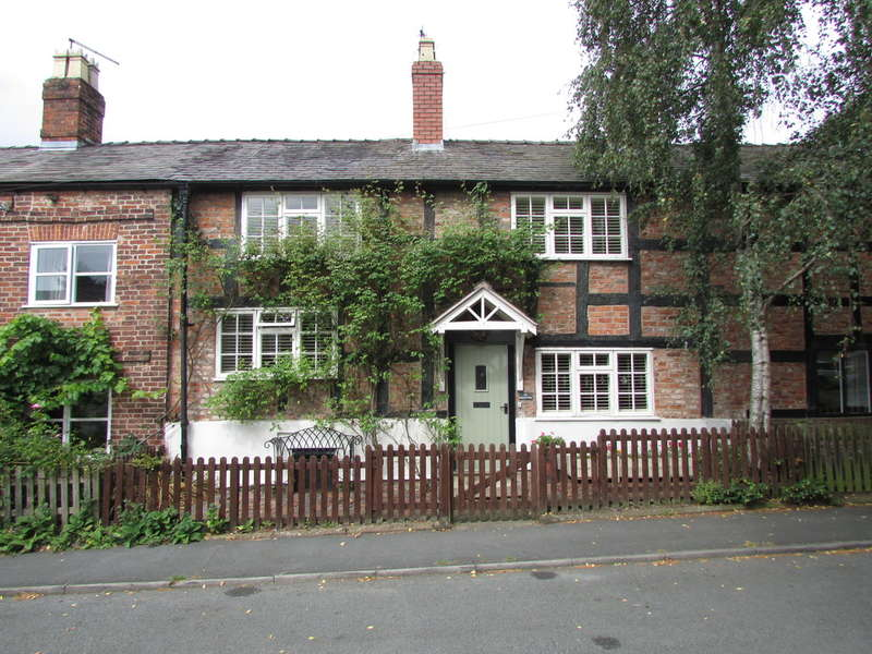 3 Bedrooms Terraced House for sale in Church Street, Davenham