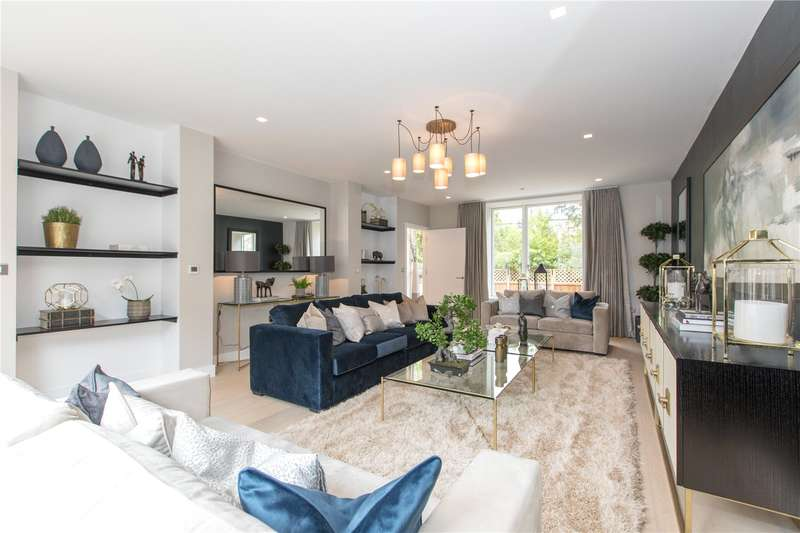 4 Bedrooms Terraced House for sale in The Avenue, Woodside Square, London, N10