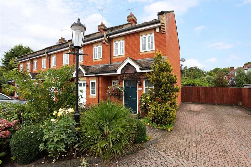 2 Bedrooms Terraced House for sale in Scotts Mews, Priory Road, Ascot, Berkshire, SL5