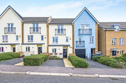 5 Bedrooms Terraced House for sale in Grays, Essex