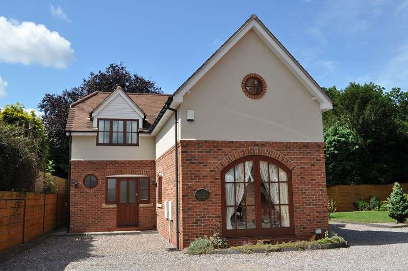 3 Bedrooms Detached House for sale in Hole Lane, Northfield, BOURNVILLE VILLAGE TRUST