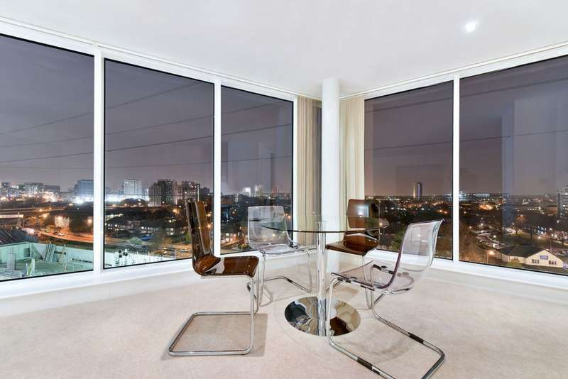 2 Bedrooms Apartment Flat for sale in Ross Apartments, Seagull Lane, Royal Victoria Dock, E16