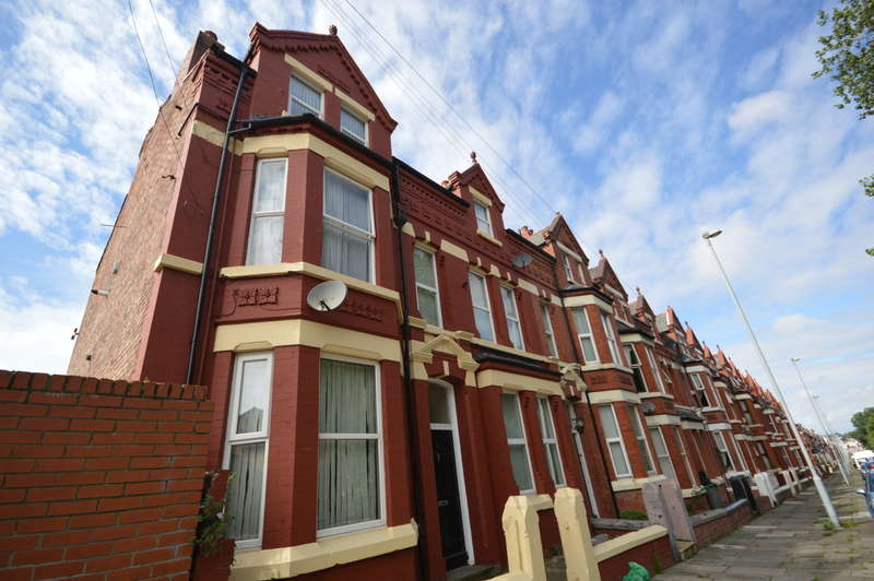2 Bedrooms Flat for sale in Worcester Road, Bootle, L20