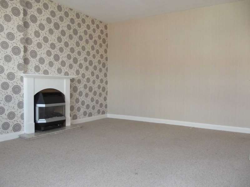 3 Bedrooms Flat for rent in Ardgour Road, Kilmarnock