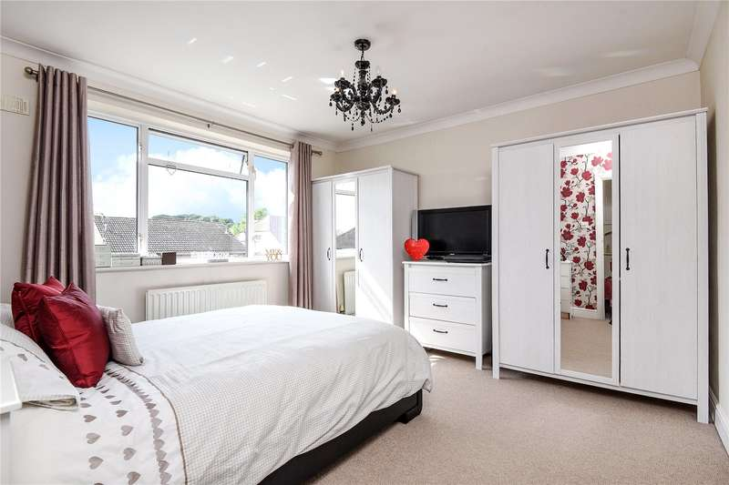 2 Bedrooms Maisonette Flat for sale in Alandale Drive, Pinner, Middlesex, HA5