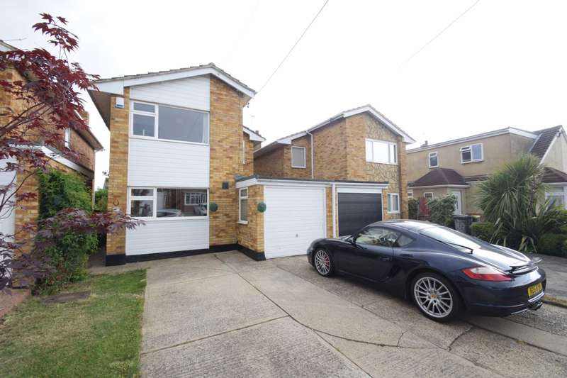 3 Bedrooms Detached House for sale in Philbrick Crescent East, Rayleigh