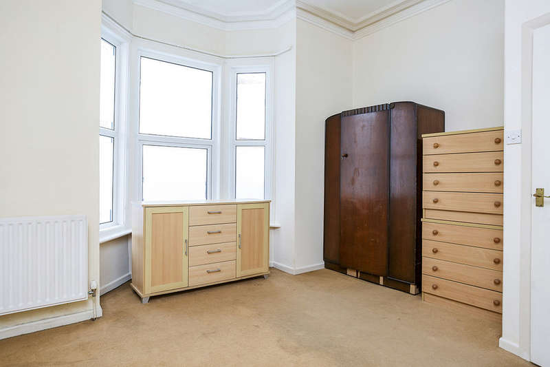 2 Bedrooms Flat for sale in Manners Road, Southsea, PO4