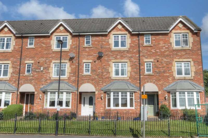 4 Bedrooms Property for sale in North Farm Court, Throckley, Newcastle Upon Tyne, NE15