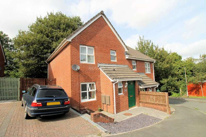 3 Bedrooms Semi Detached House for sale in Highglen Drive, Plympton, PL7 5LJ