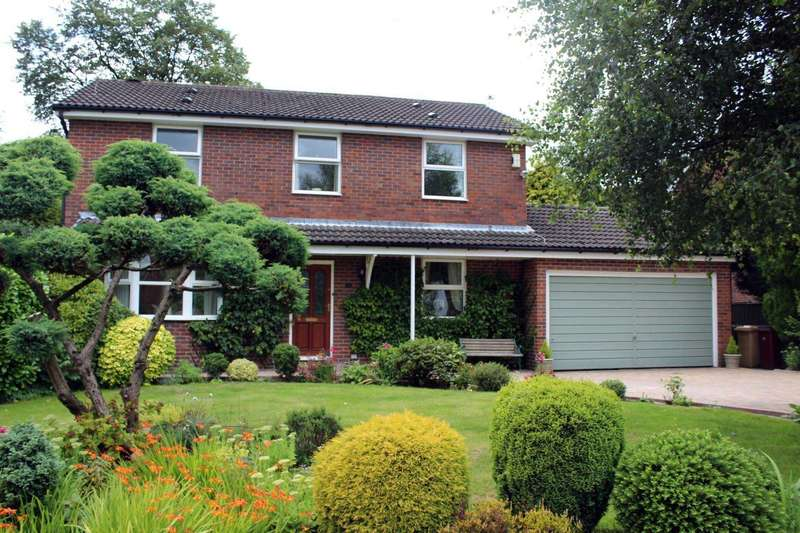 4 Bedrooms Detached House for sale in Lowside Avenue, Lostock