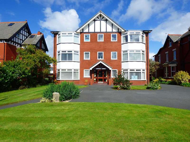 2 Bedrooms Apartment Flat for sale in Crystal Lodge, Clifton Drive, Fairhaven