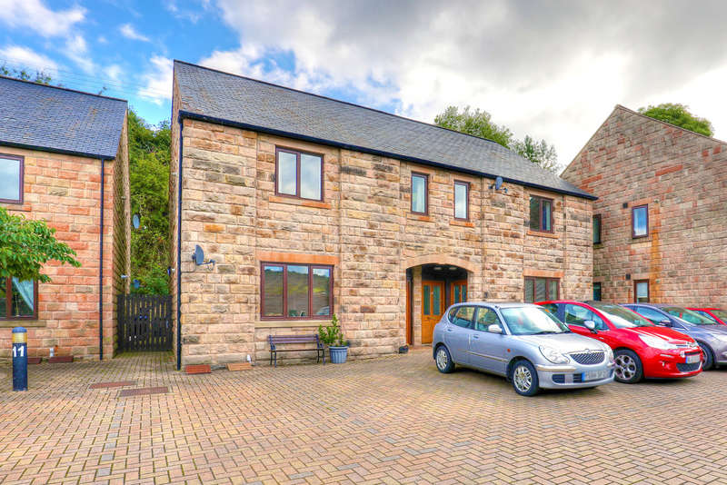 2 Bedrooms Flat for sale in Heather Lane, Hathersage, Hope Valley