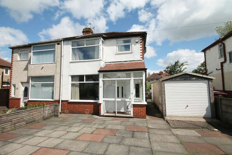 3 Bedrooms Semi Detached House for sale in Broadway, Farnworth, Bolton, BL4 0HL