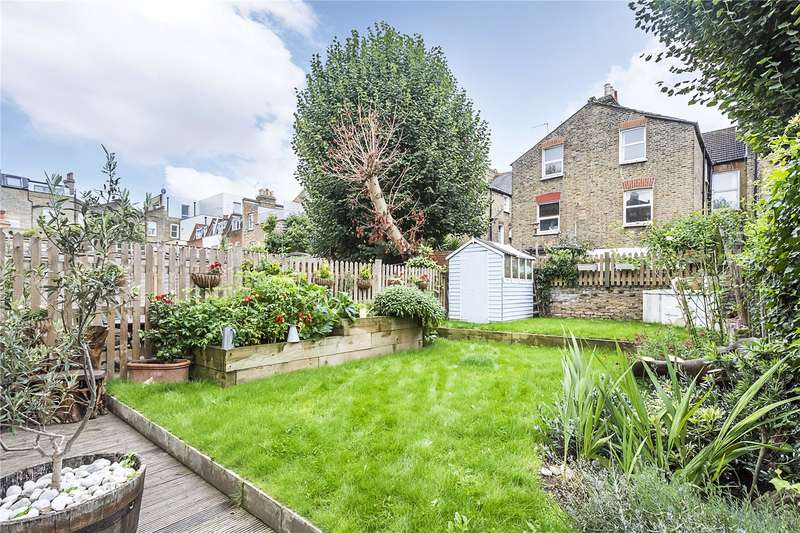 2 Bedrooms Flat for sale in Chelverton Road, London, SW15