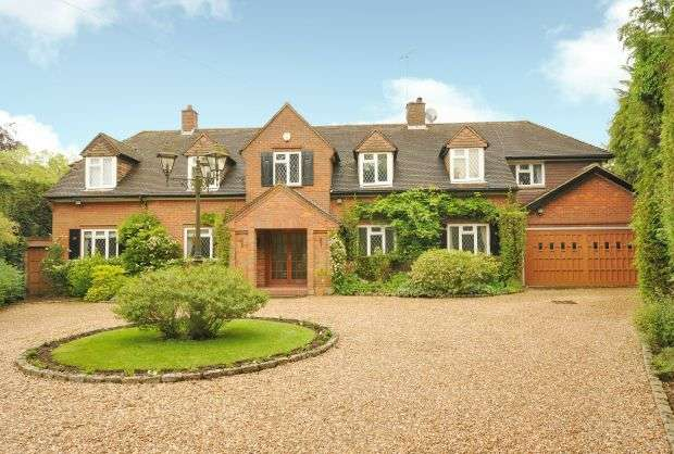 5 Bedrooms Detached House for sale in Loudwater Heights, Rickmansworth
