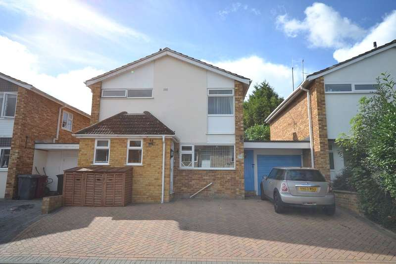 3 Bedrooms Detached House for sale in Caversham Park