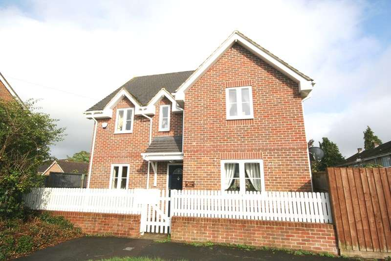 4 Bedrooms Detached House for sale in Lime Kiln Road, Lytchett Matravers, Poole