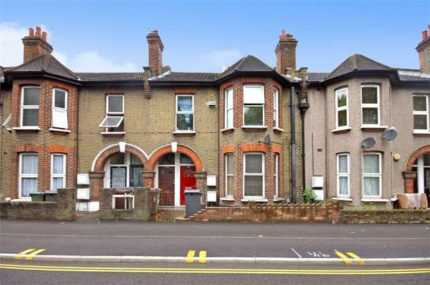 1 Bedroom Flat for sale in Markhouse Road, Walthamstow, London