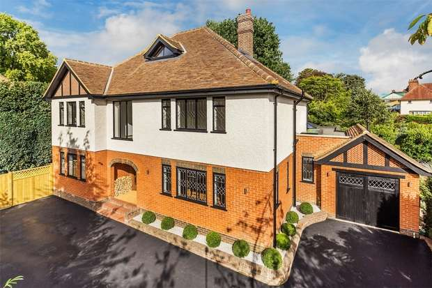 6 Bedrooms Detached House for sale in Woking, Surrey