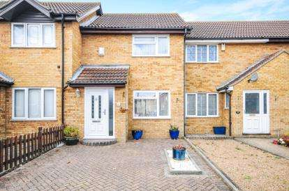 2 Bedrooms Terraced House for sale in Shoeburyness, Southend-On-Sea, Essex