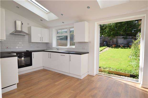 3 Bedrooms Semi Detached House for sale in Florian Avenue, SUTTON, Surrey, SM1 3QH