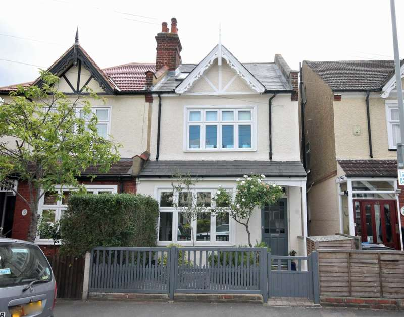 4 Bedrooms Semi Detached House for sale in Mount Road, New Malden